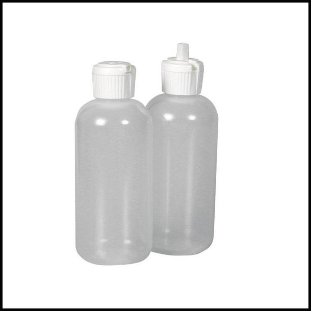 Plast beholder med tud